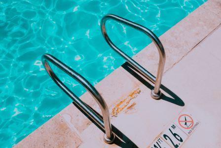 jay-wennington_schwimmen