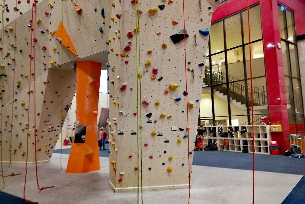 Kletterwand Arena Vertikal